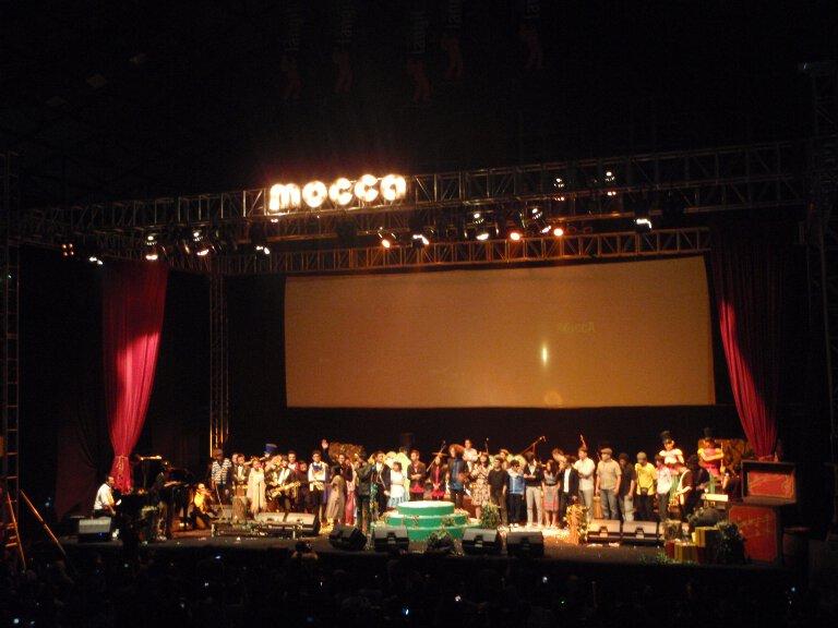 Mocca dan kawan-kawan di akhir acara