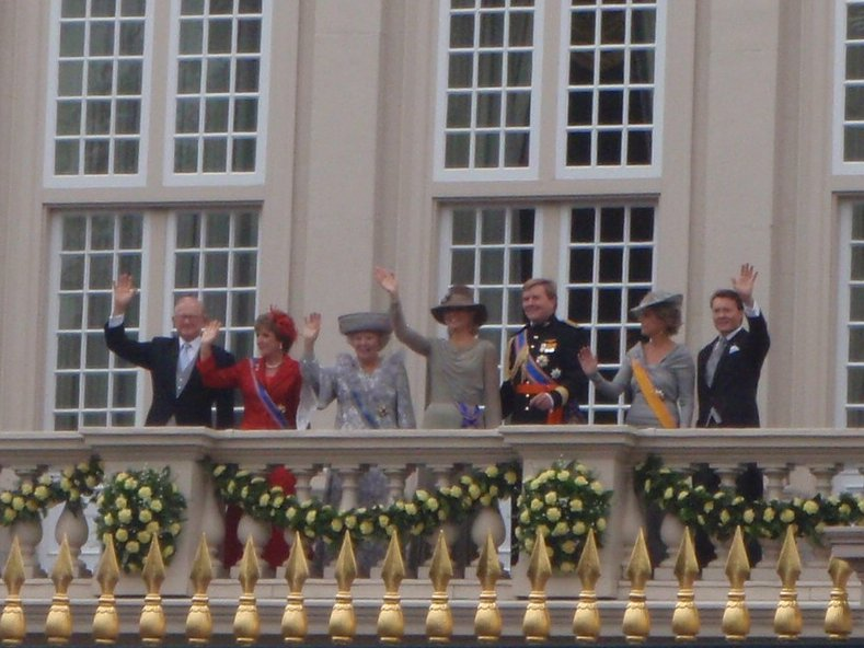 The royal wave..