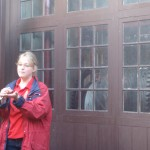 Explaining how the carillon works