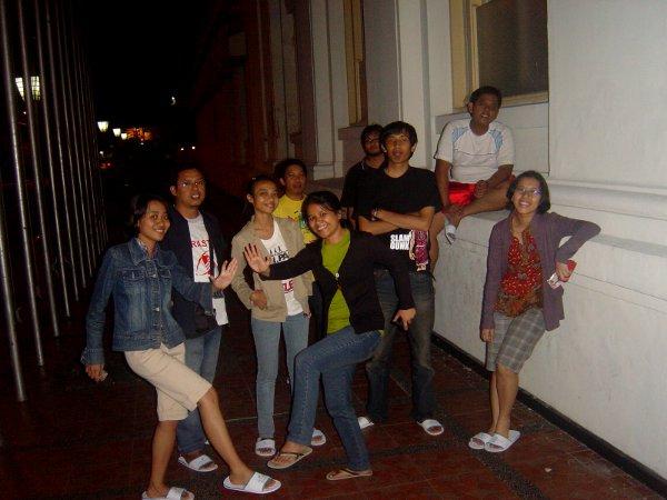 Tengah malam di Bandung, Februari 2009